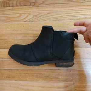 Sorel waterproof Chelsea boots